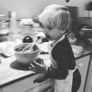 Jonatan smager chokoladekage